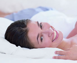 Woman_lying_bed